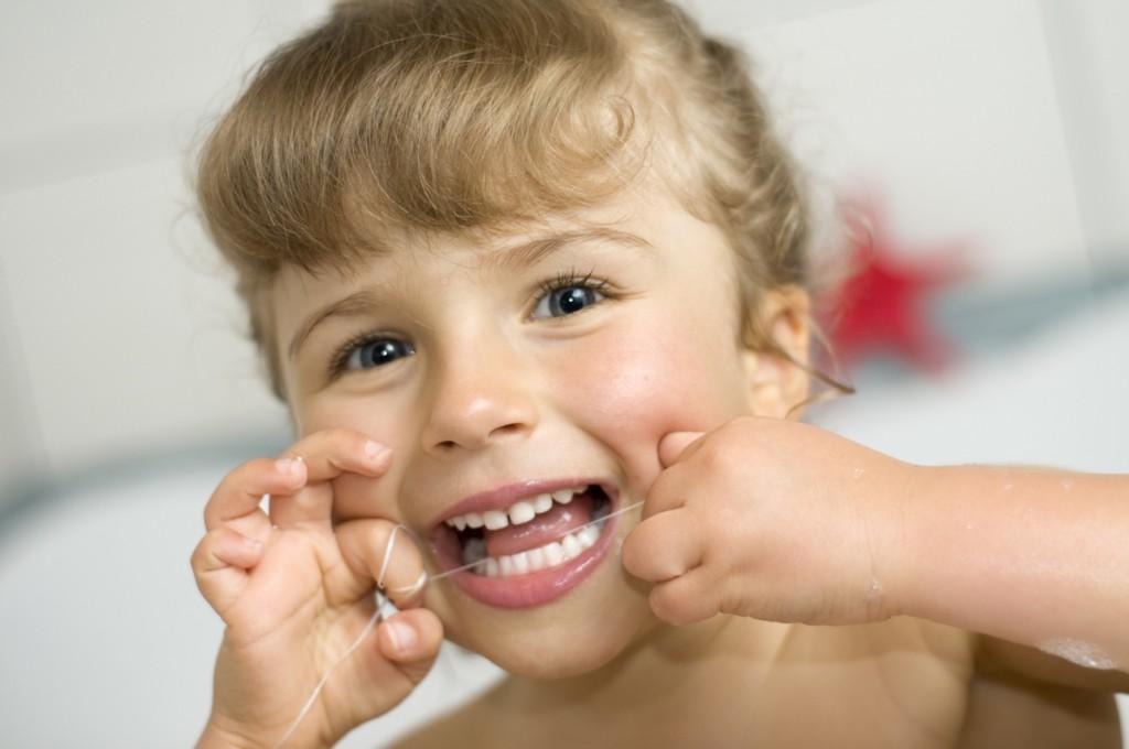 Niềng răng cho bé 7 tuổi có nên hay không? - HERA